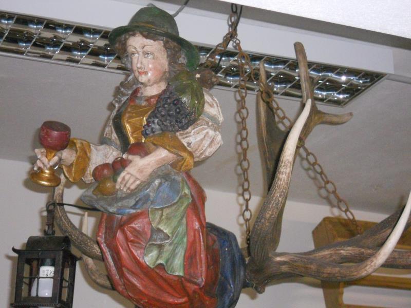 Lampadari ? Mobili antichi Tirolesi ? Mobili dipinti ...
